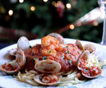 Linguini with Shrimp and Clam Sauce